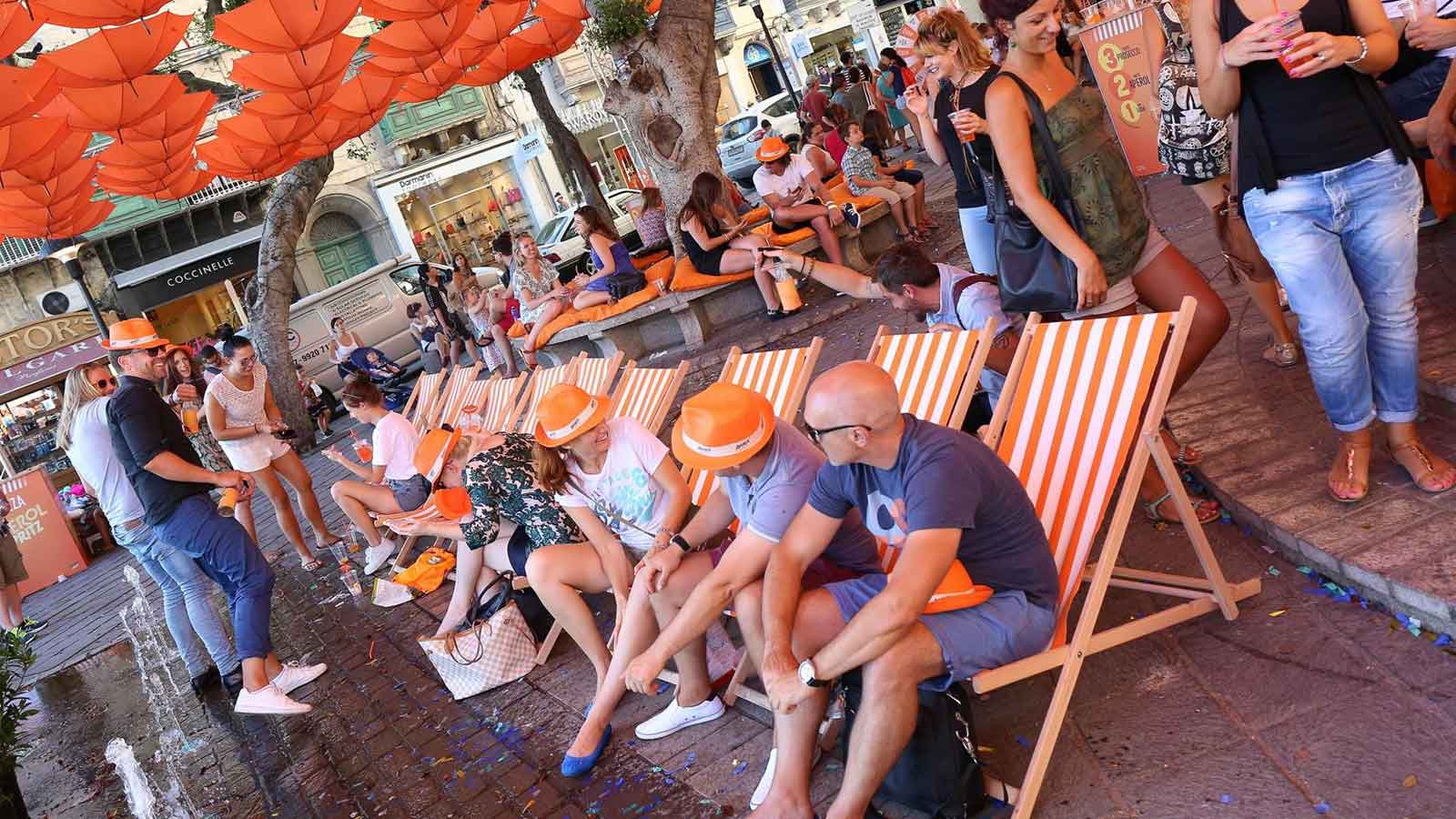 Aperol Spritz aperitif party in the pjazza